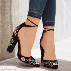 """8,839 curtidas, 278 comentários - Lola Shoetique (@lolashoetiquedolls) no Instagram: """"All Style Signs Point To """"KISS & TELL""""! 😍 Hurry, Add These Beauties To Your Shoe-drobe Today! 