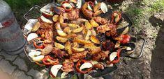 Tárcsán sült csirkecombfilé sült zöldségekkel, töltött gombával Grill N Chill, Paella, Barbecue, Grilling, Bacon, Cooking Recipes, Ethnic Recipes, Food, Barbecue Pit