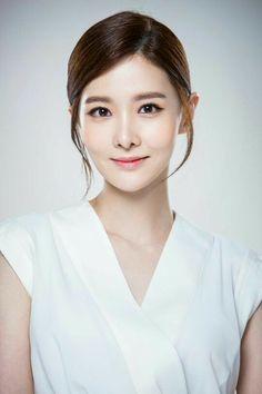 45 Best Kim Yuri images in 2018 | Yuri, Korean Actresses, Short hair dos