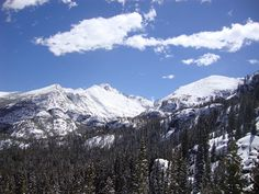 Rocky Mountain National Park. Colorado. Hike to Emerald Lake!