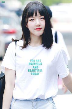 Kpop Girl Groups, Korean Girl Groups, Kpop Girls, Short Hair Trends, Short Hair Styles, Kim Ye Won, G Friend, Girl Bands, Kpop Fashion