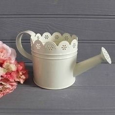 CREAM Shabby Country Chic Style Decorative WATERING CAN Tin Metal PLANTER