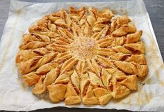 Vegan Starters, Pizza Cake, Chorizo, Apple Pie, Parmesan, Quiche, Plaque, Toast, Food And Drink