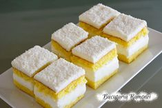 Prajitura alba cu crema de lapte pregatita de Ramona Dascalu No Bake Desserts, Delicious Desserts, Yummy Food, Romanian Desserts, Romanian Recipes, Cake Recipes, Dessert Recipes, Sweet Pastries, Happy Foods