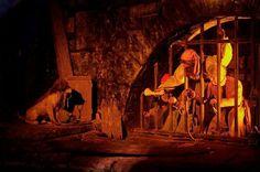 Pirates of the Caribbean attraction | Adventureland | Disneyland Paris