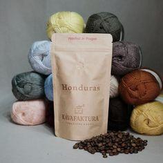 PŘÍZE - Přírodní příze Honduras, Barista, Prague, Place Card Holders, Coffee, Food, Colombia, Kaffee, Essen