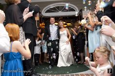 © Favorite Photography | Jacksonville Golf and Country Club | Bubble Wedding | Send-Off