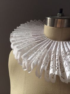 Elizabethan renaissance neck ruff collar with lace by LaurenRossi