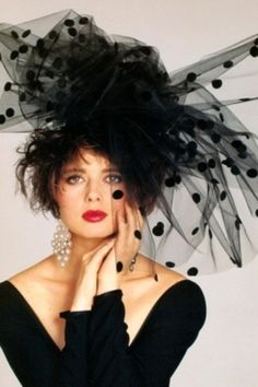 """""""Could this be Isabella Rossellini in this Magnificent Black Velvet Dot Tulle Fascinator? Isabella Rossellini, Hut Party, Photography Tattoo, Glamorous Chic Life, Fashion Fotografie, Look Retro, Mode Vintage, Fascinators, Mode Style"""