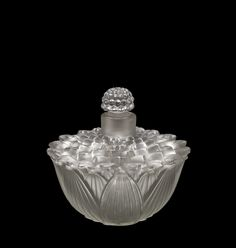 Hélène by Rene Lalique, designed in 1928. Gift of Elaine and Stanford Steppa (2011.3.400) | Corning Museum of Glass