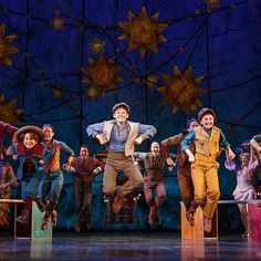 Over 40 years after its initial publication, Natalie Babbitt's award-winning 1975 novel Tuck Everlasting comes to life on stage in a new Broadway musical. Broadway Plays, Broadway Theatre, Musical Theatre, Tuck Everlasting Musical, Winnie Foster, Theatre Nerds, Theater, Young Adult Fiction, Photo And Video