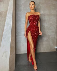 Find the perfect gown with Pageant Planet. Browse all of our beautiful prom and pageant gowns in our dress gallery, which includes Sherri Hill, Jovani, Mac Duggal and more! Pretty Prom Dresses, Glam Dresses, Elegant Dresses, Cute Dresses, Beautiful Dresses, Fashion Dresses, Prom Outfits, Classy Outfits, Mermaid Gown Prom