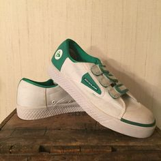 Selling this dunlop tennis shoes in my Poshmark closet! My username is: taistarr. #shopmycloset #poshmark #fashion #shopping #style #forsale #dunlop #Shoes