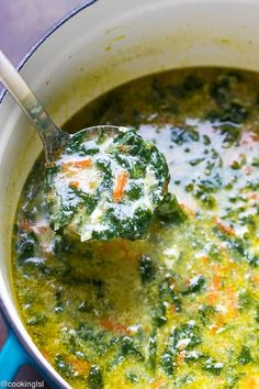 A pot full of fresh and delicious Bulgarian spinach egg drop soup. Ladle full of spinach soup with curdles egg whites. Bacon Recipes Quick, Healthy Soup Recipes, Dog Recipes, Vegetarian Recipes, Cooking Recipes, Veggie Recipes, Recipies, Dinner Recipes, Spinach Egg