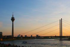 Sommernachmittag an der Rheinpromenade Düsseldorf Altstadt // #Dusseldorf #Rhein