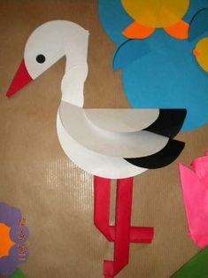 """""""Przyszła Wiosna"""" - grupowa praca plastyczna - origami z kółek - Przedszkole z Oddziałami Integracyjnymi nr 17 im. Jana Brzechwy w Rybniku. Diy Paper, Paper Art, Paper Crafts, Origami, Circle Punch, 7 Year Olds, Paper Plates, Diy For Kids, Diy And Crafts"""
