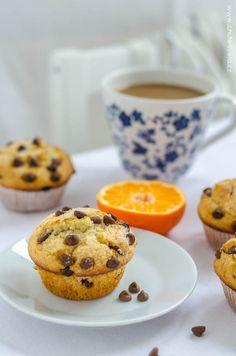 čokoládové muffiny jako z kavárny Latte, Sweets, Baking, Breakfast, Cupcakes, Food, Morning Coffee, Cupcake Cakes, Gummi Candy