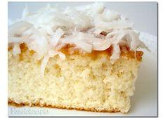 Esse bolo tem um sabor delicado enão é muito doce, o problema é que por não ser enjoativovocê come uns 4 pedaços brincando! Vou tentar a versão light (depois digo se deu certo). Para a …