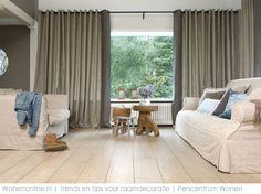 Gordijnentrends 2013 Beige en grijstinten maken het landelijke interieur wat stoerder, net als nonchalante linnen stoffen. Vadain. http://www.wonenonline.nl/interieur-inrichten/raamdecoratie-trends-romantisch.html