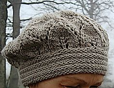 Ravelry: Elfunny Beret - Ein Tags Mütze pattern by FadenStille ........... think I would like this in a mixed yarn with a little angora??