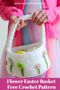 Flower Easter Basket Free Crochet Pattern by Nana's Crafty Home works up quickly and easily in bulky yarn. The cute flower buttons are easy to add and really give this basket a unique look! Free Crochet Bag, Crochet Gifts, Crochet Hook Sizes, Crochet Hooks, Crochet Baskets, Crochet Stitches, Holiday Crochet Patterns, Single Crochet Stitch, Sewing A Button
