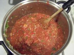 How to make and can homemade salsa with cilantro, from fresh tomatoes - Easily! With Step-by-step Directions, Photos, Ingredients, Recipe and Costs Canning Homemade Salsa, Canning Salsa, Canning Recipes, Homemade Seasonings, Canning Whole Tomatoes, Salsa Recipe, Recipe Tasty, Recipe Tips, Recipe Recipe