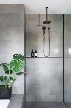 Natural and natural bathroom inspiration and ideas .- Natural and Natural Bathroom Inspiration and Ideas # ideas - House Bathroom, Natural Bathroom, Bathroom Fixtures, Modern Bathroom Design, Bathroom Renovations, Copper Bathroom Fixtures, Bathroom Design Luxury, Luxury Bathroom, Concrete Look Tile