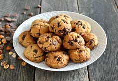 Fursecuri cu ciocolata si unt de arahide (CC Eng Sub) Cookie Recipes, Dessert Recipes, Desserts, Dessert Ideas, Fudge, Romanian Food, Romanian Recipes, Sweet Treats, Food And Drink