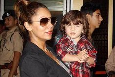 This Picture Of Shah Rukh Khan's Son AbRam Posing With Mom Gauri Khan Is Too Adorable To Miss!