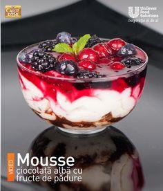MOUSSE CIOCOLATA ALBA CU FRUCTE DE PADURE Acai Bowl, Pudding, Breakfast, Mousse, Desserts, Food, Acai Berry Bowl, Morning Coffee, Tailgate Desserts