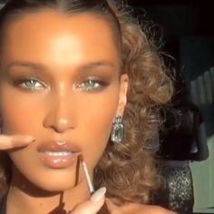 what a beauty 👌🏻 Pink Lips Makeup, Lip Makeup, Bela Hadid, Honey Hair, Baddie, Hair And Nails, Ponytail, Make Up, Celebrity