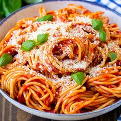 This pasta pomodoro recipe is spaghetti tossed in a homemade tomato sauce and garnished with plenty of parmesan cheese and fresh basil. A classic Italian dish that's perfect for entertaining! Yummy Pasta Recipes, Vegetarian Recipes, Cooking Recipes, Healthy Recipes, Quick Recipes, Simply Recipes, Cooking Food, Pasta Pomodoro Recipe, Spaghetti Al Pomodoro