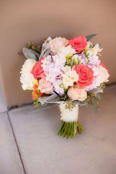bouquet de mariée corail - Organiser un mariage