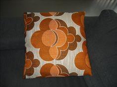 oranje vintage kussen 50 x 50 cm van Funkywalls via DaWanda
