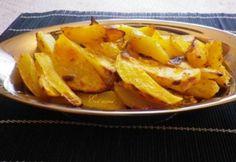 Tejfölös fűszeres sült krumpli | NOSALTY Hungarian Recipes, Hungarian Food, Thai Red Curry, Sweet Potato, Snack Recipes, Good Food, Paleo, Chips, Potatoes