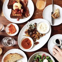 #FarmshopLA Grab your friends & head over to #Farmshop in the #BrentwoodCountryMart for brunch. Our French Toast & Fried Weiser Farm Potatoes will satisfy both sweet & savory cravings! // Photo credit: @conconwang