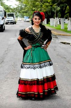 "Michoacan Mexico Dress      ""¡ La bella guerrera que he aquí!""                                                 …"
