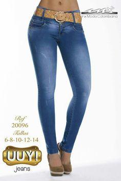 Jeans que horman a la perfección con tus curvas ¡atrevete a lucirlas! #fashionforever