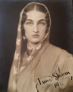 Vintage India, 10 Most Beautiful Women, Beautiful Eyes, Historical Quotes, Historical Pictures, Creative Instagram Stories, Instagram Story, Vintage Photographs, Vintage Photos