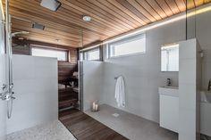 Tyylikäs kylpyhuone ja sauna Spa Rooms, Konmari, Home Spa, Home Renovation, Modern Bathroom, Master Suite, Bathtub, Interior Design, House