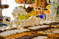 litere-volumetrice-de-lemn-accesorii-candy-bar Bar, Candy, Table Decorations, Home Decor, Sweet, Homemade Home Decor, Toffee, Sweets, Candles