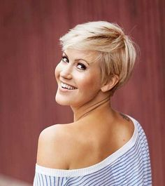 Pixie cuts are one of the most preferred hairstyles for courageous women. Pixie haircut is bold, daring sexy and always looks modern and chic. So today we want to show you the latest pixie style trend that ladies prefer the… Continue Reading → Cool Short Hairstyles, Short Bob Haircuts, Popular Hairstyles, Pixie Hairstyles, Pixie Haircut, Hairstyles With Bangs, Beautiful Hairstyles, Children Hairstyles, Wedding Hairstyles