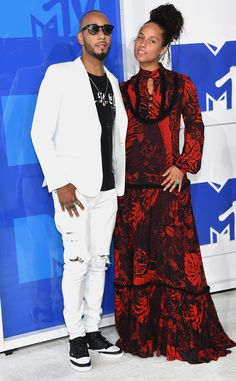 Swizz Beatz & Alicia Keys from MTV Video Music Awards 2016 Red Carpet Arrivals  Hot couple alert! The Voice coach and her main man make one beautiful pair in New York City.