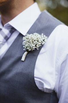 Baby´s breath boutonniere - Fort Worth Wedding at Weston Gardens from Sara & Rocky Photography