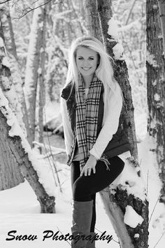 Photography poses winter cameras 21 ideas for 2019 Photography Winter, Senior Girl Photography, Senior Girl Poses, Senior Girls, Photography Poses, Outdoor Photography, Senior Session, Snow Senior Pictures, Snow Family Pictures