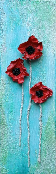 Poppy Trio - Donna Downey Studios--I love poppies! Ceramic Flowers, Clay Flowers, Red Flowers, Pretty Flowers, Flower Studio, Flower Art, Pop Art Bilder, Wal Art, Remembrance Day
