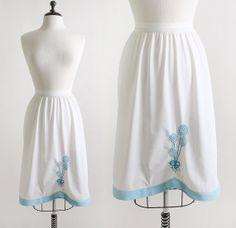 Balloons Half Slip Vintage Sky Blue Embroidered Skirt by zwzzy, $23.00 #skirt #vintage #retro #blue #white #summer #hand #embroidered #embroidery #balloon #hot #air #balloons #lolly #pop #lollipop #candy #robins #egg #hem #scoop #scoophem