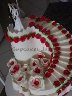Bolo confeitado Cupcakes Joy Fancy Wedding Cakes, Wedding Anniversary Cakes, Summer Wedding Cakes, Floral Wedding Cakes, Wedding Cakes With Cupcakes, Wedding Cake Decorations, Beautiful Wedding Cakes, Wedding Cake Designs, Beautiful Cakes