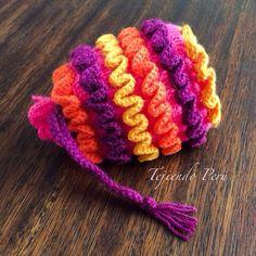 Bolsito tejido a crochet en la técnica wiggly crochet!. El paso a paso está en nuestra página: www.tejiendoperu.com :)