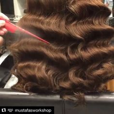 Tips on how to achieve bigger waves : Fanning the wave helps to expose the shape and blend with other waves this creates the waves look much bigger . #mustafasworkshop #wakeupandmakeup #btcquickie #behindthechair #btcmorningquickie #modernsalon #hudabeauty